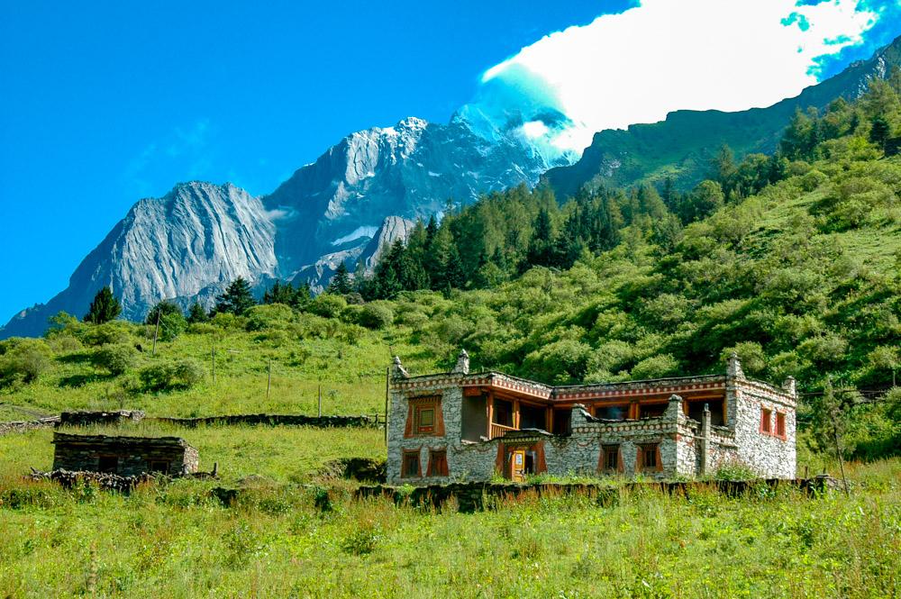 Belle maison tibétaine.