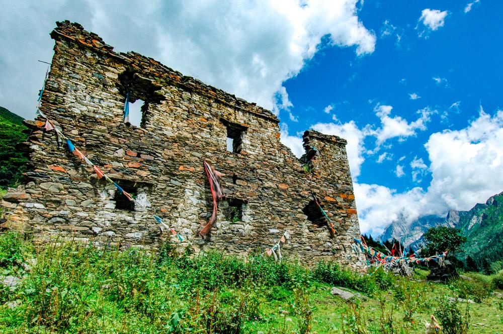 Les ruines d'une lamasserie.