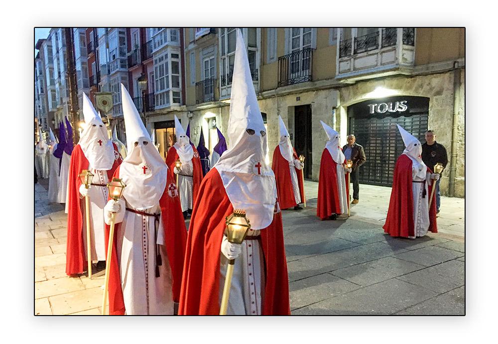 Procession à Burgis