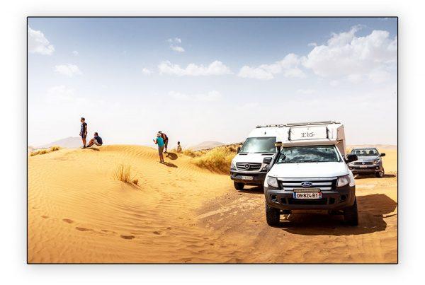 Azalai dans les dunes