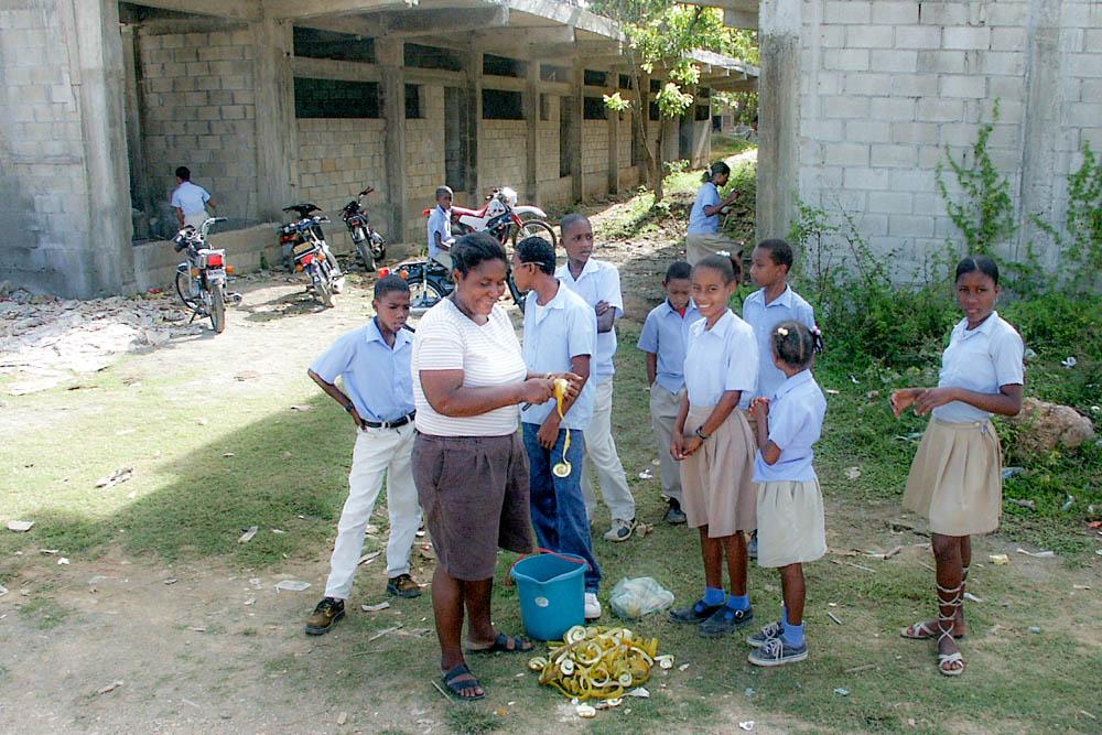 Distribution d'oranges